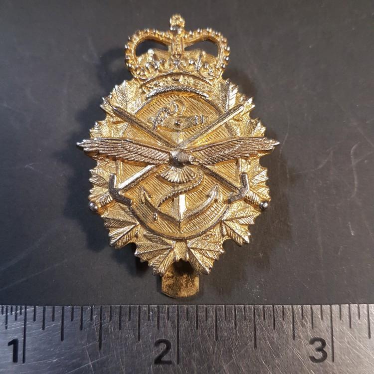 #53 Canadian Tri Service Post 1968 Military cap Badge