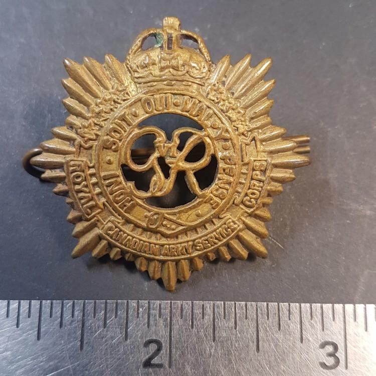 #25 WW2 CANADA RCASC Royal Canadian Army Service Corps cap badge