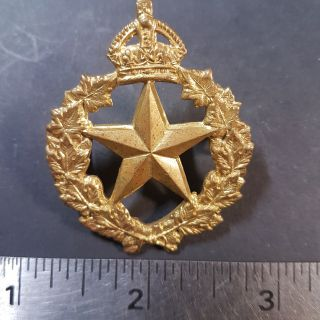 #1-4 WW II/Pre WW II Canadian Cap Badge To Le Regiment De Montmagny
