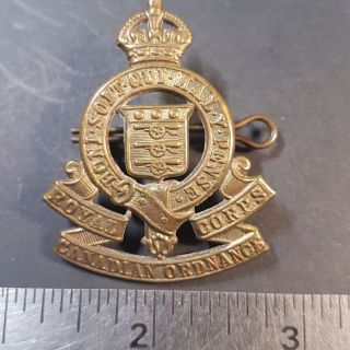 #1-20 CANADA KC WW1 or WW2 Armed Forces RCOC Royal Canadian Ordnance Corps cap badge