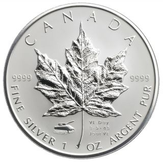 2005 - $5 1 oz silver maple leaf V-E Day